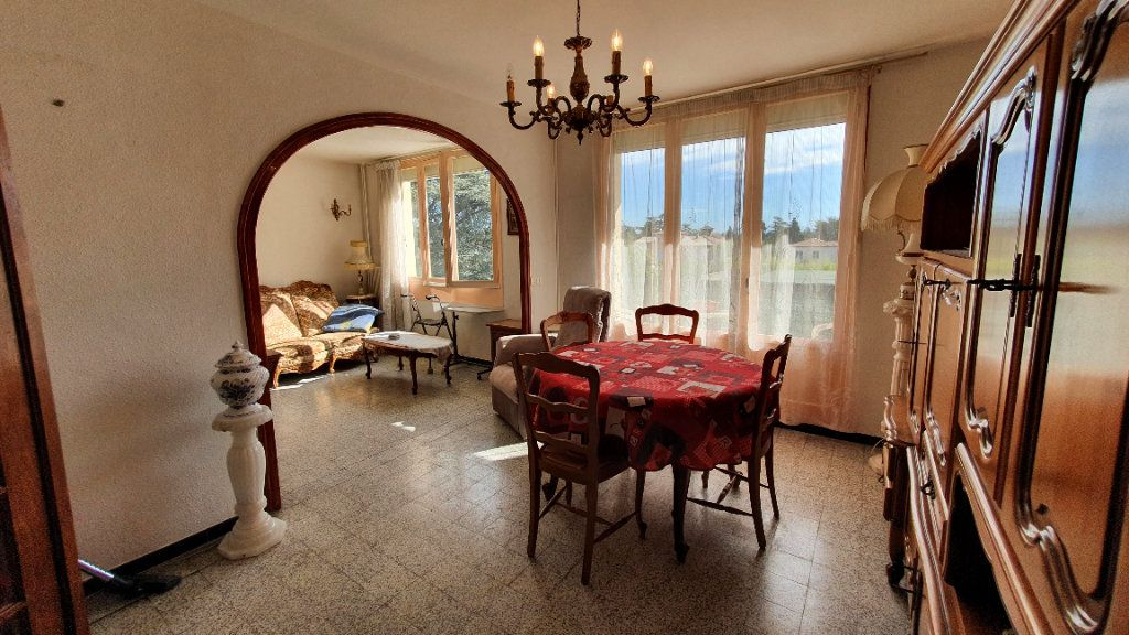 Appartement à vendre 4 0m2 à Pont-Saint-Esprit vignette-1