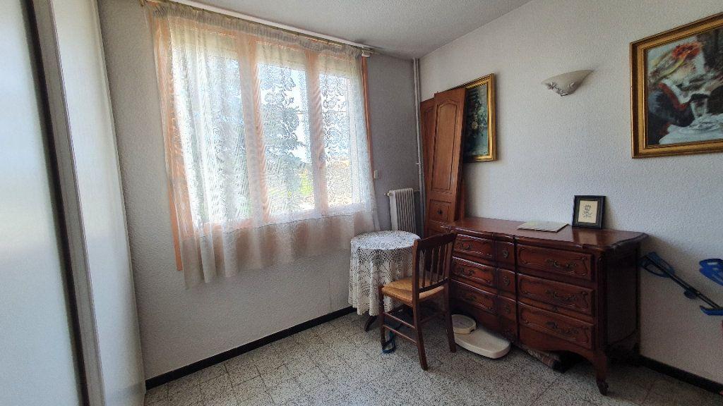 Appartement à vendre 4 0m2 à Pont-Saint-Esprit vignette-5