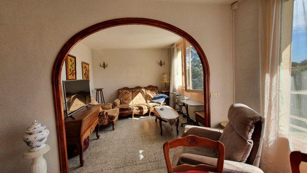 Appartement à vendre 4 0m2 à Pont-Saint-Esprit vignette-6