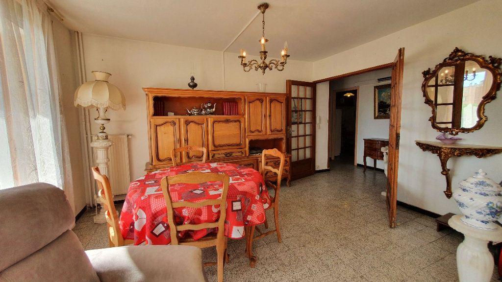 Appartement à vendre 4 0m2 à Pont-Saint-Esprit vignette-8