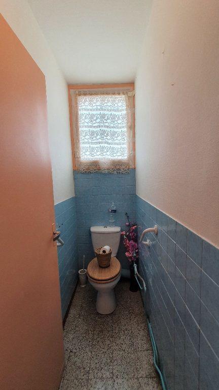 Appartement à vendre 4 0m2 à Pont-Saint-Esprit vignette-12