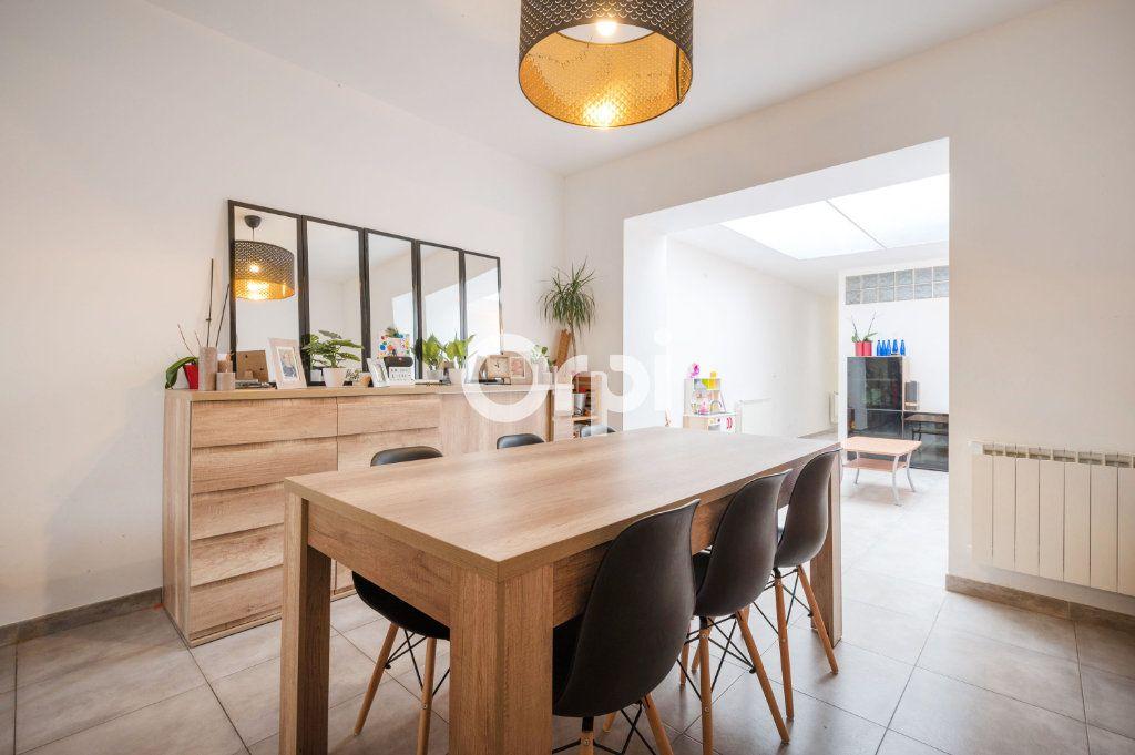 Maison à vendre 6 90.59m2 à Hénin-Beaumont vignette-6