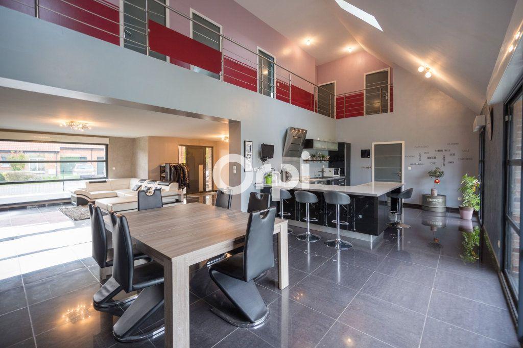 Maison à vendre 9 205m2 à Roost-Warendin vignette-1