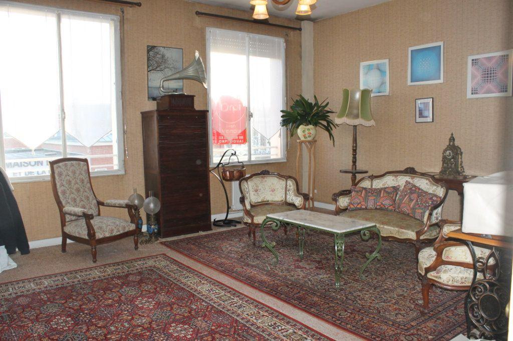 Appartement à vendre 3 62m2 à Douai vignette-1