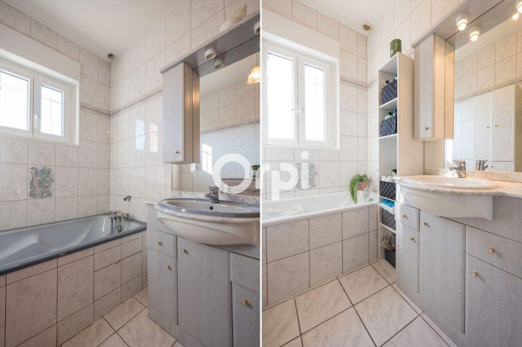 Maison à vendre 8 220m2 à Roost-Warendin vignette-9