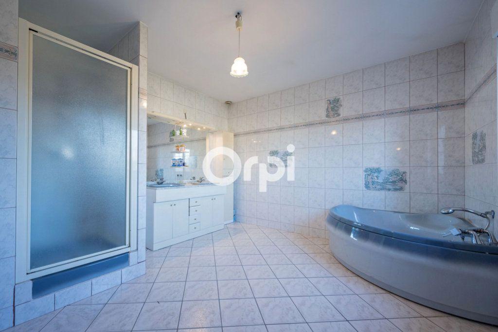 Maison à vendre 8 220m2 à Roost-Warendin vignette-10