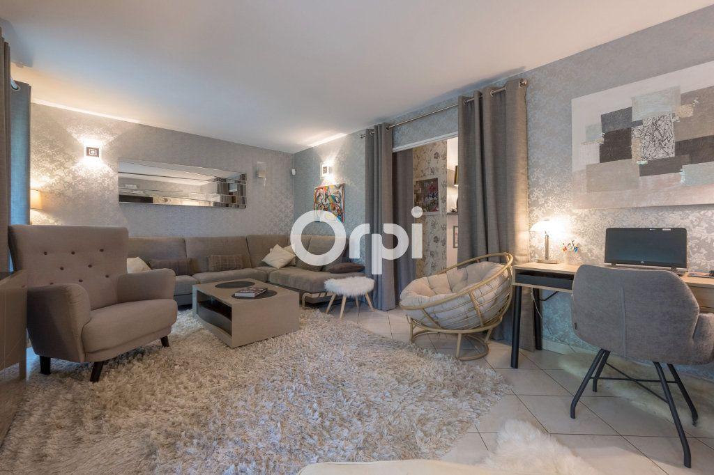 Appartement à vendre 5 130m2 à Courrières vignette-2