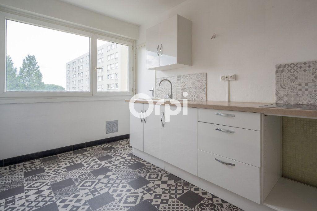 Appartement à vendre 5 97.63m2 à Douai vignette-2