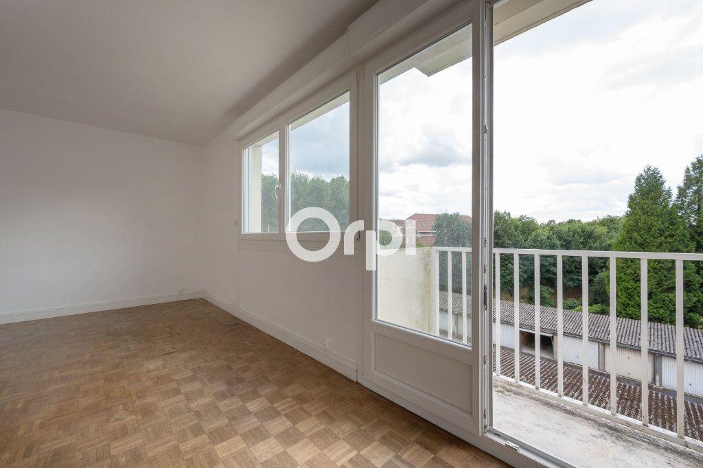 Appartement à vendre 5 97.63m2 à Douai vignette-4