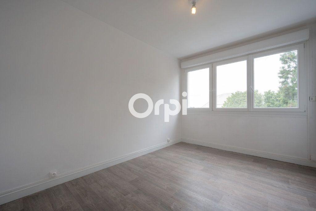 Appartement à vendre 5 97.63m2 à Douai vignette-7