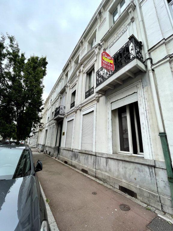 Appartement à vendre 1 15.11m2 à Douai vignette-1