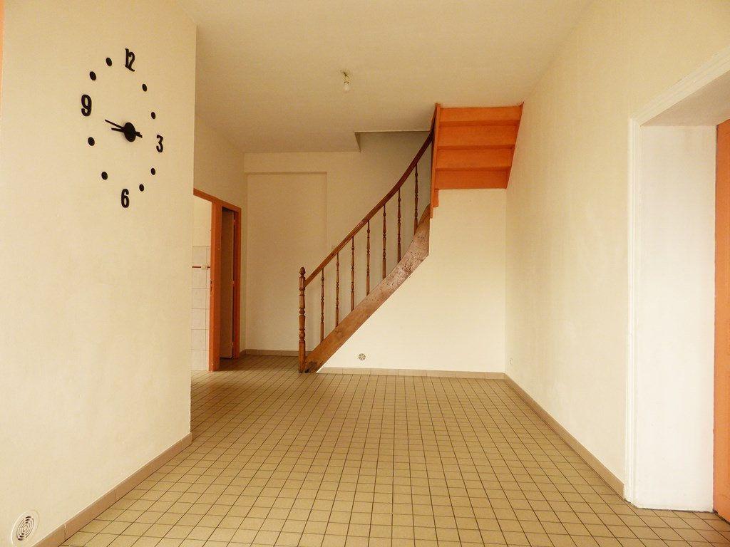 Maison à louer 4 65m2 à Lisbourg vignette-3