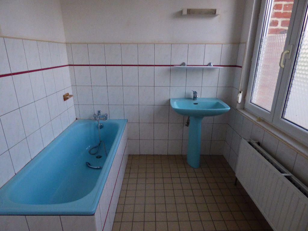 Maison à louer 4 65m2 à Lisbourg vignette-6