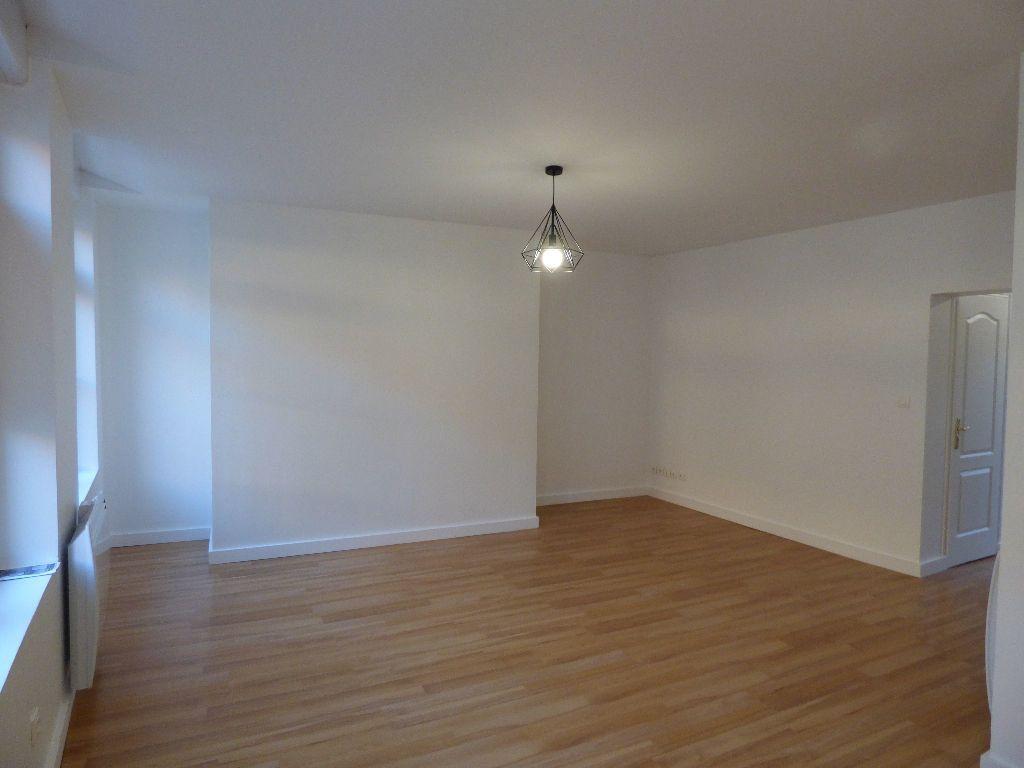 Appartement à louer 2 53m2 à Hesdin vignette-2