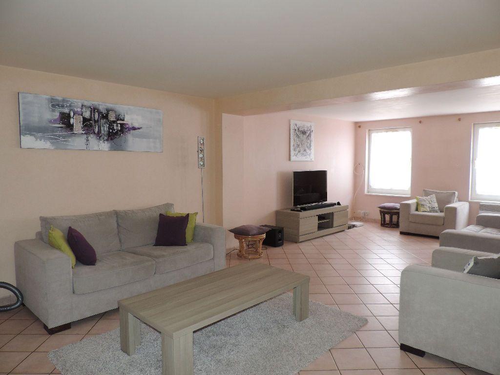 Appartement à vendre 4 108m2 à Hesdin vignette-1