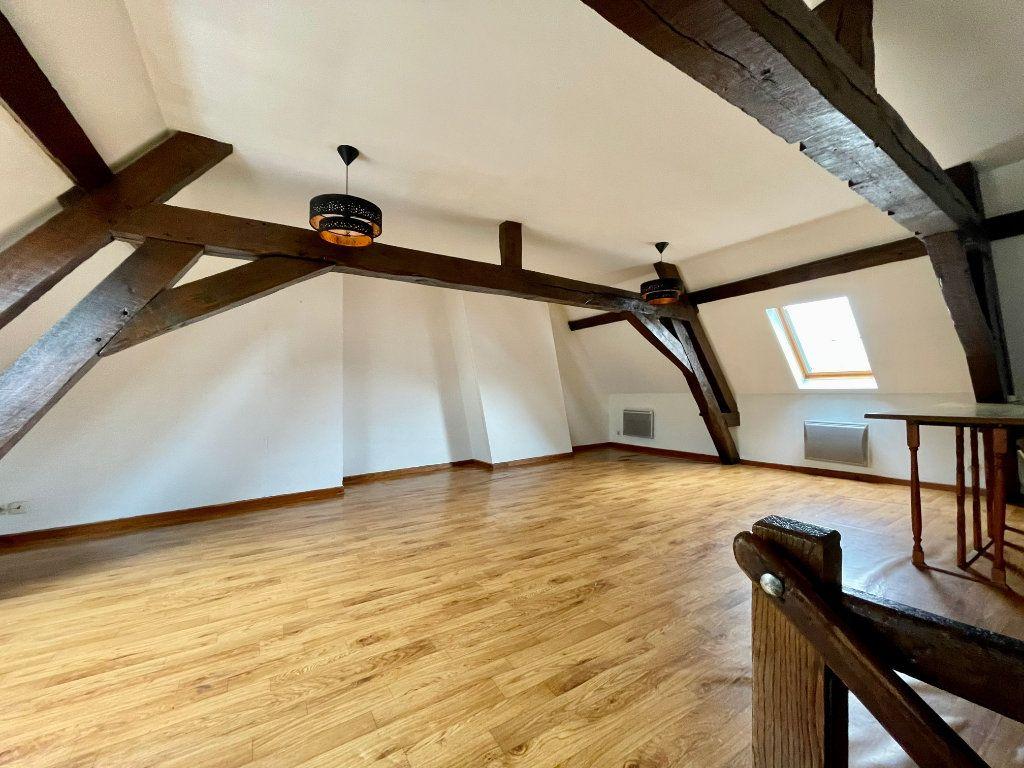 Appartement à louer 4 60m2 à Hesdin vignette-1