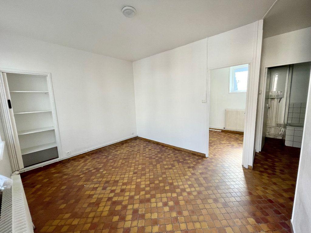 Appartement à louer 2 30m2 à Hesdin vignette-2