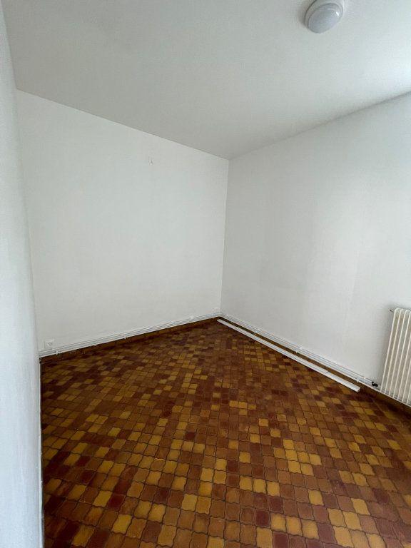 Appartement à louer 2 30m2 à Hesdin vignette-3