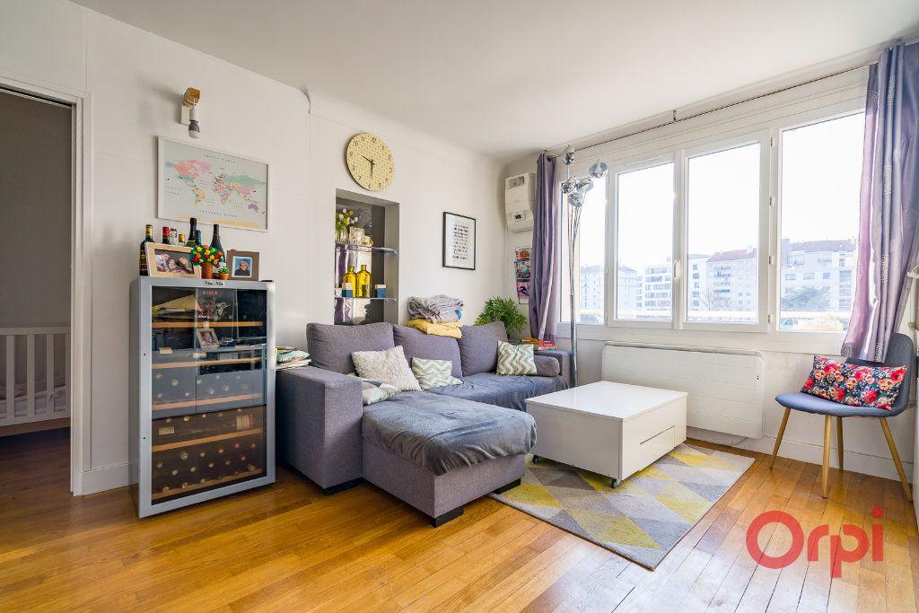 Appartement à vendre 3 63.68m2 à Montrouge vignette-1