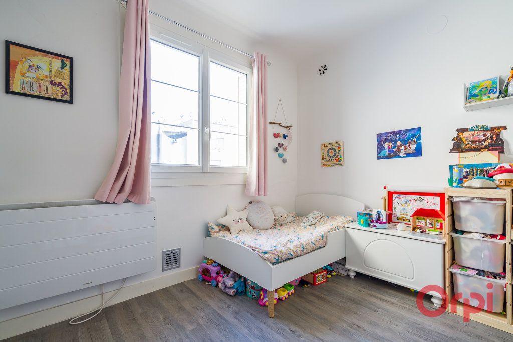 Appartement à vendre 3 63.68m2 à Montrouge vignette-7