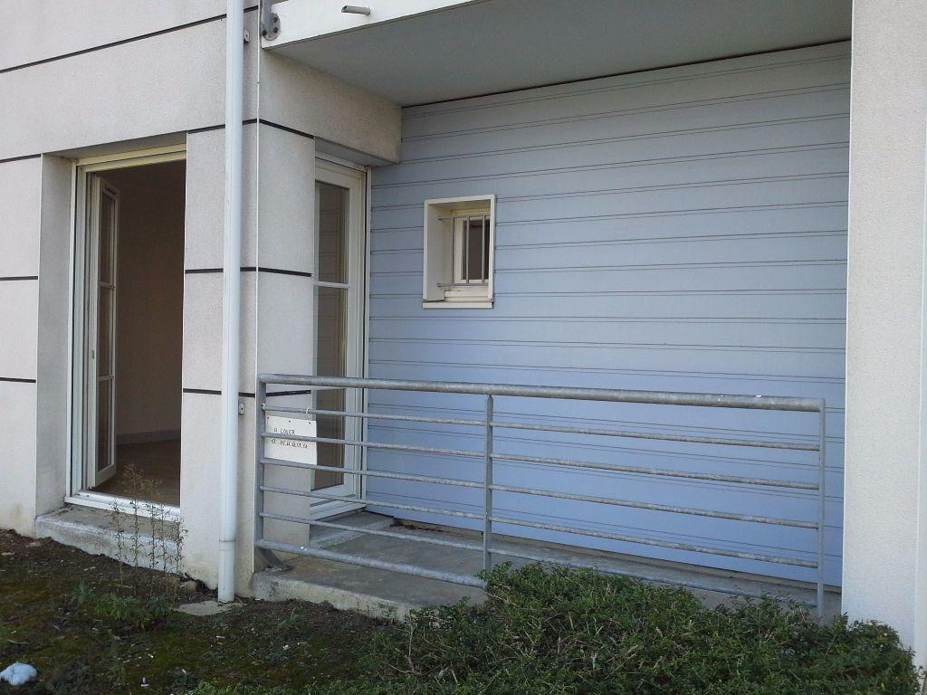 Appartement à louer 1 24.57m2 à La Rochelle vignette-1