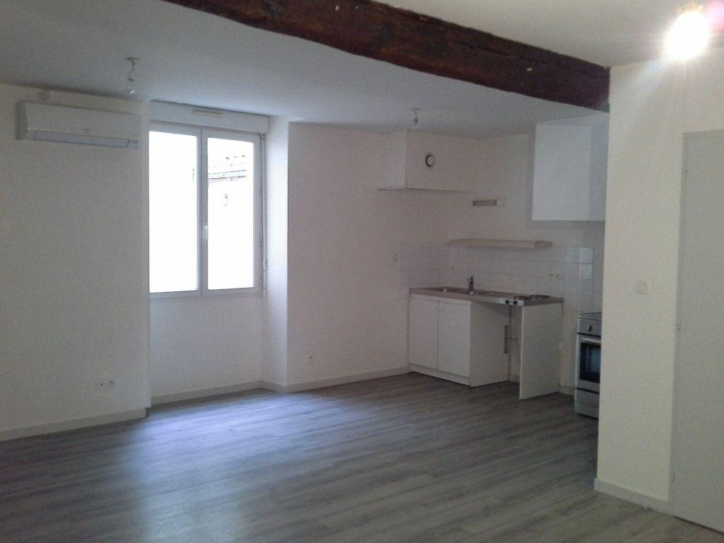 Appartement à louer 1 32.61m2 à La Rochelle vignette-2