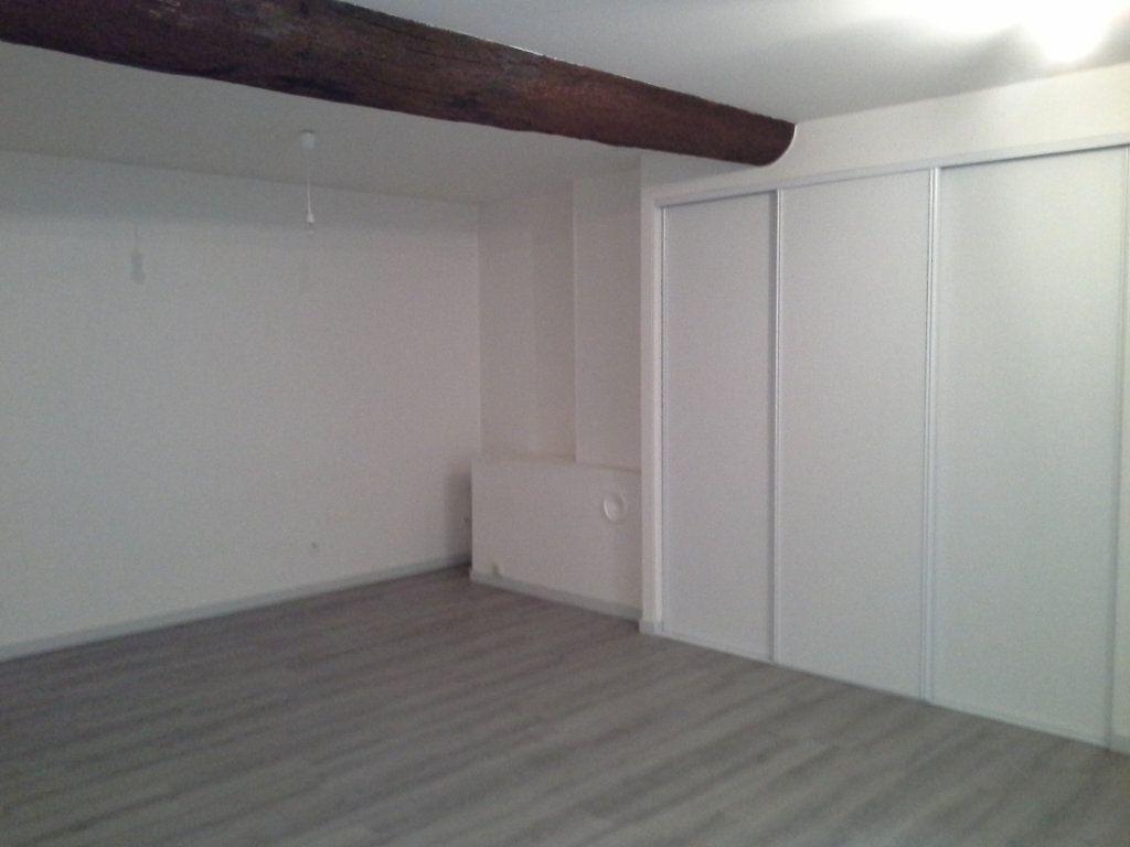 Appartement à louer 1 32.61m2 à La Rochelle vignette-4