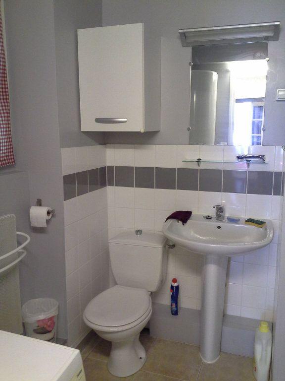 Appartement à louer 2 29.56m2 à La Rochelle vignette-6