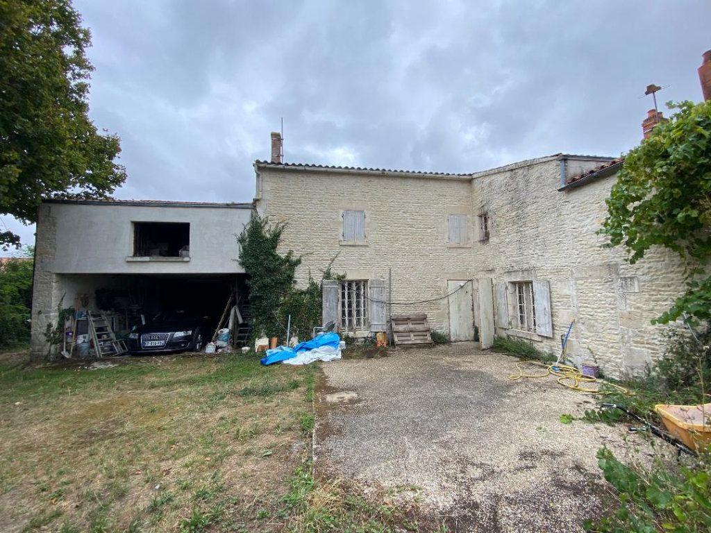 Maison à vendre 8 270m2 à Saint-Jean-de-Liversay vignette-2