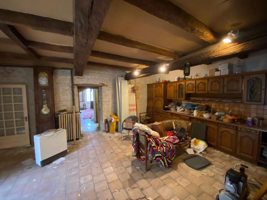 Maison à vendre 8 270m2 à Saint-Jean-de-Liversay vignette-3