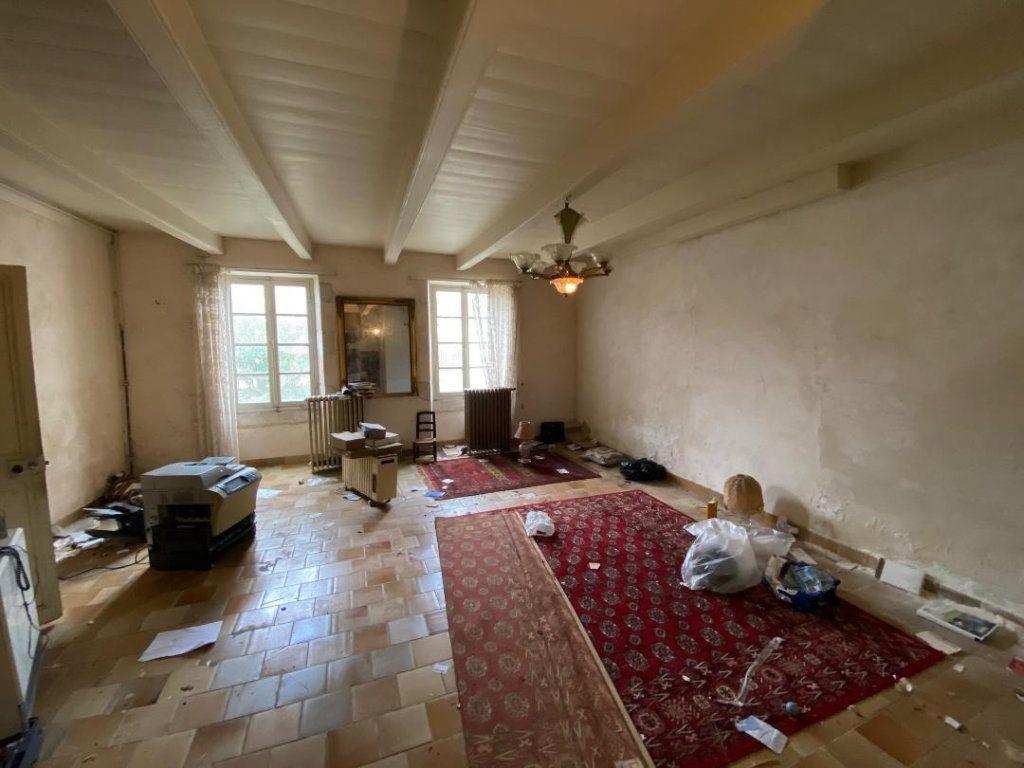Maison à vendre 8 270m2 à Saint-Jean-de-Liversay vignette-4