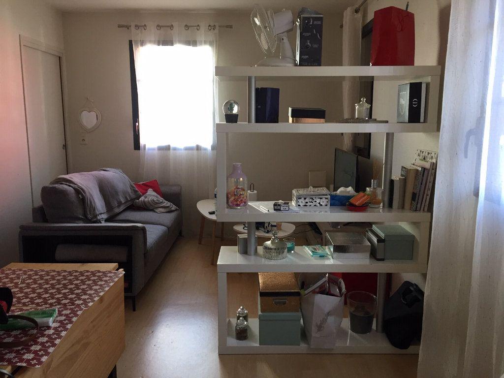 Appartement à vendre 2 37m2 à La Rochelle vignette-1