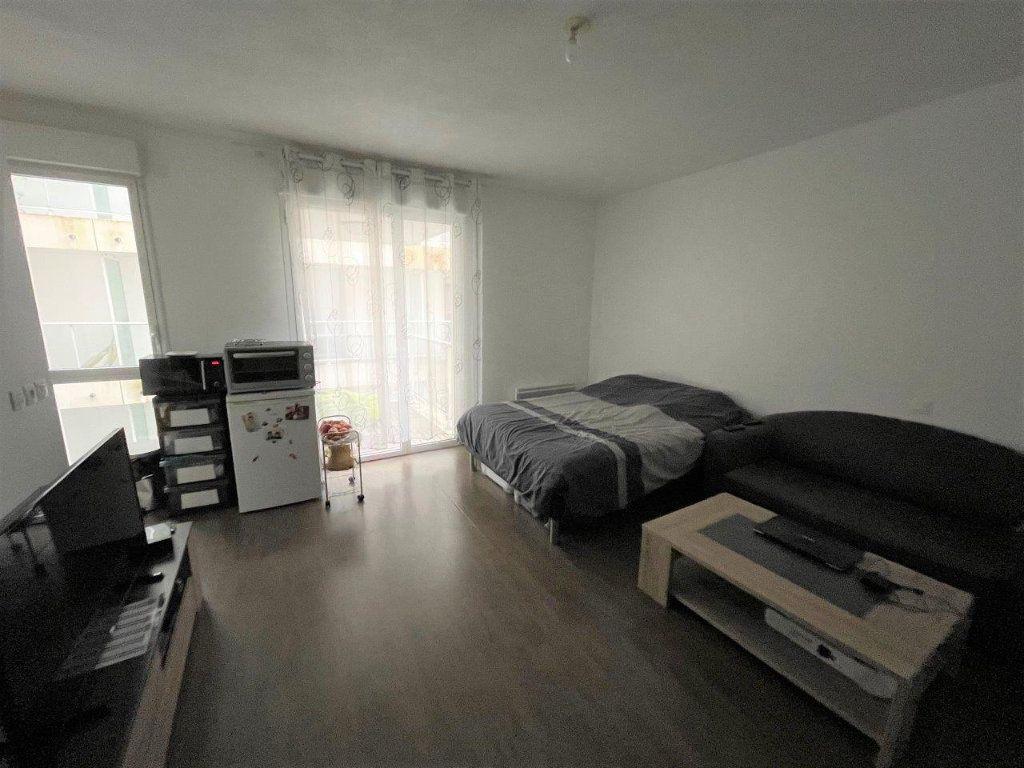 Appartement à vendre 1 26m2 à La Rochelle vignette-1