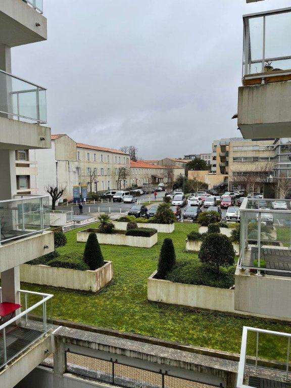 Appartement à vendre 1 26m2 à La Rochelle vignette-3