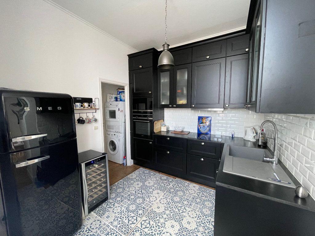 Appartement à vendre 5 94.45m2 à La Rochelle vignette-2