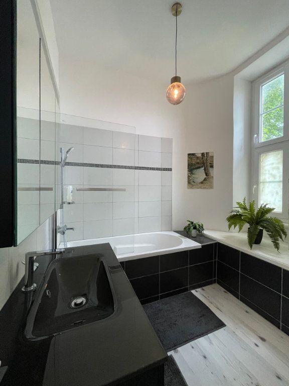 Appartement à vendre 5 94.45m2 à La Rochelle vignette-3