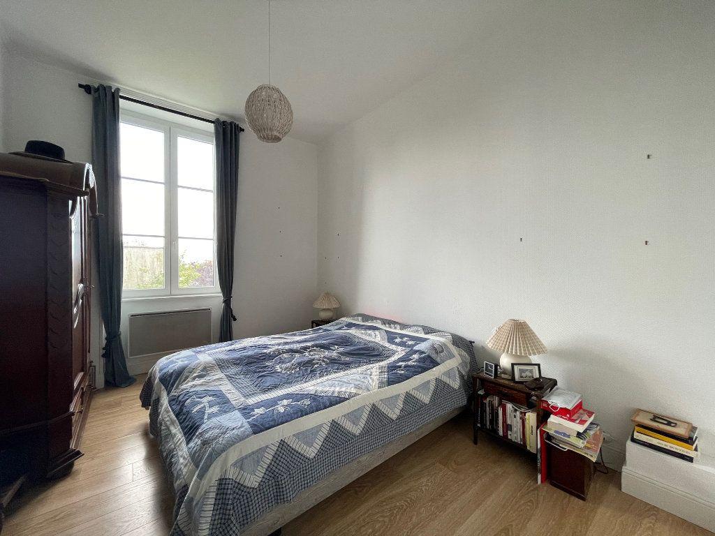 Appartement à vendre 5 94.45m2 à La Rochelle vignette-4