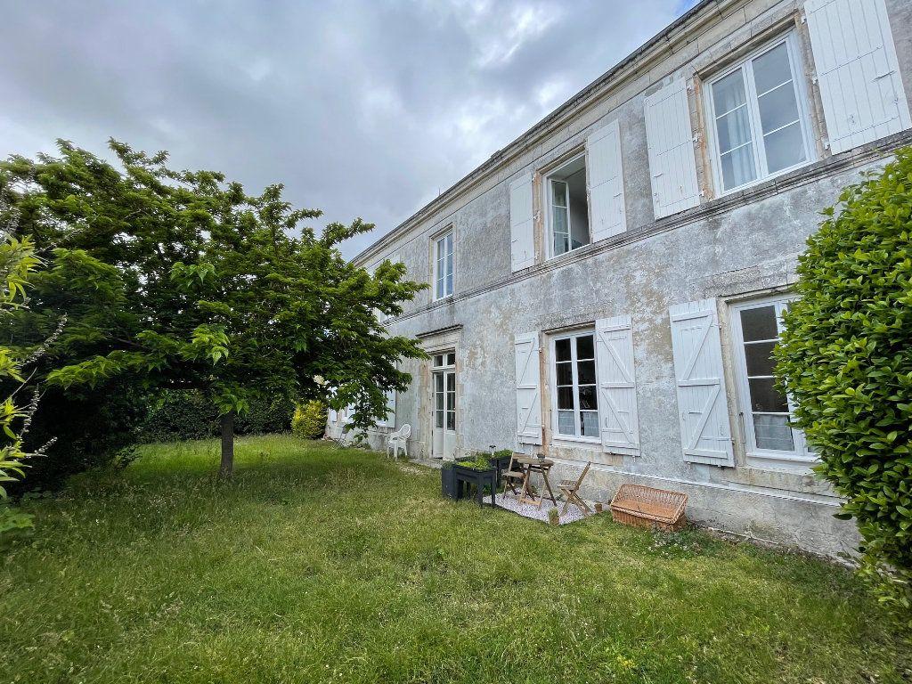 Appartement à vendre 5 94.45m2 à La Rochelle vignette-5