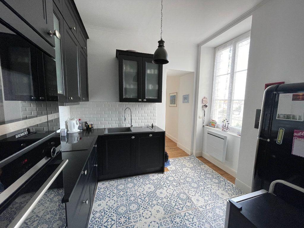 Appartement à vendre 5 94.45m2 à La Rochelle vignette-12