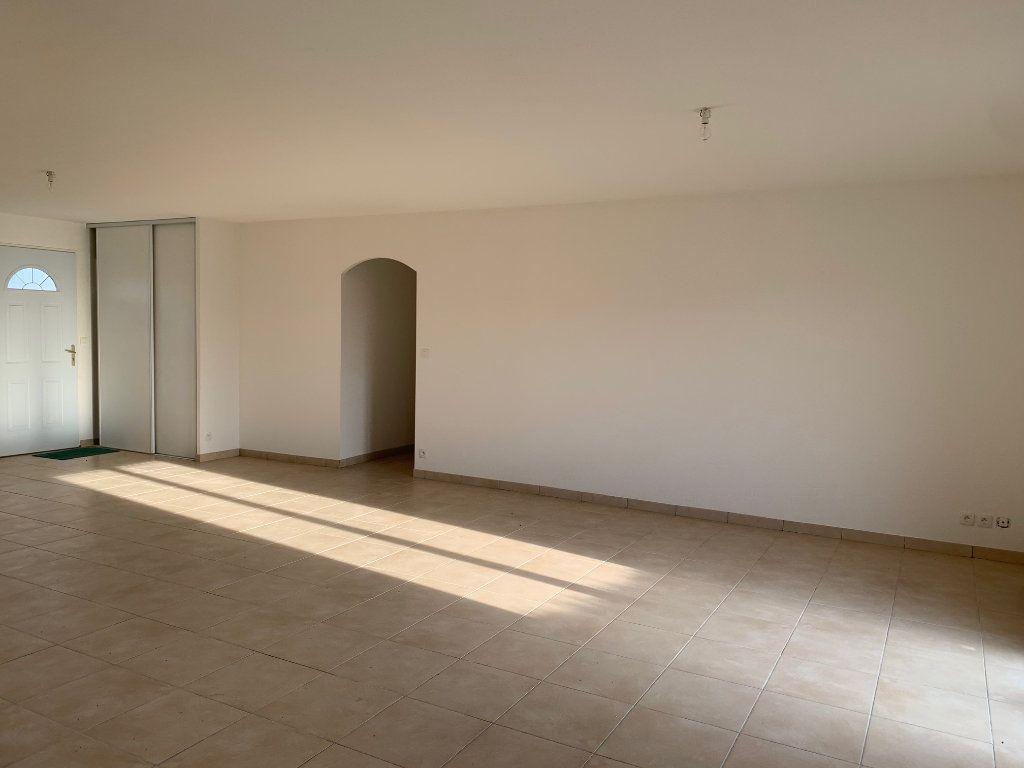 Maison à louer 5 102m2 à Daux vignette-3