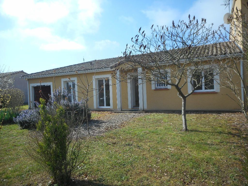 Maison à louer 5 104m2 à Daux vignette-1