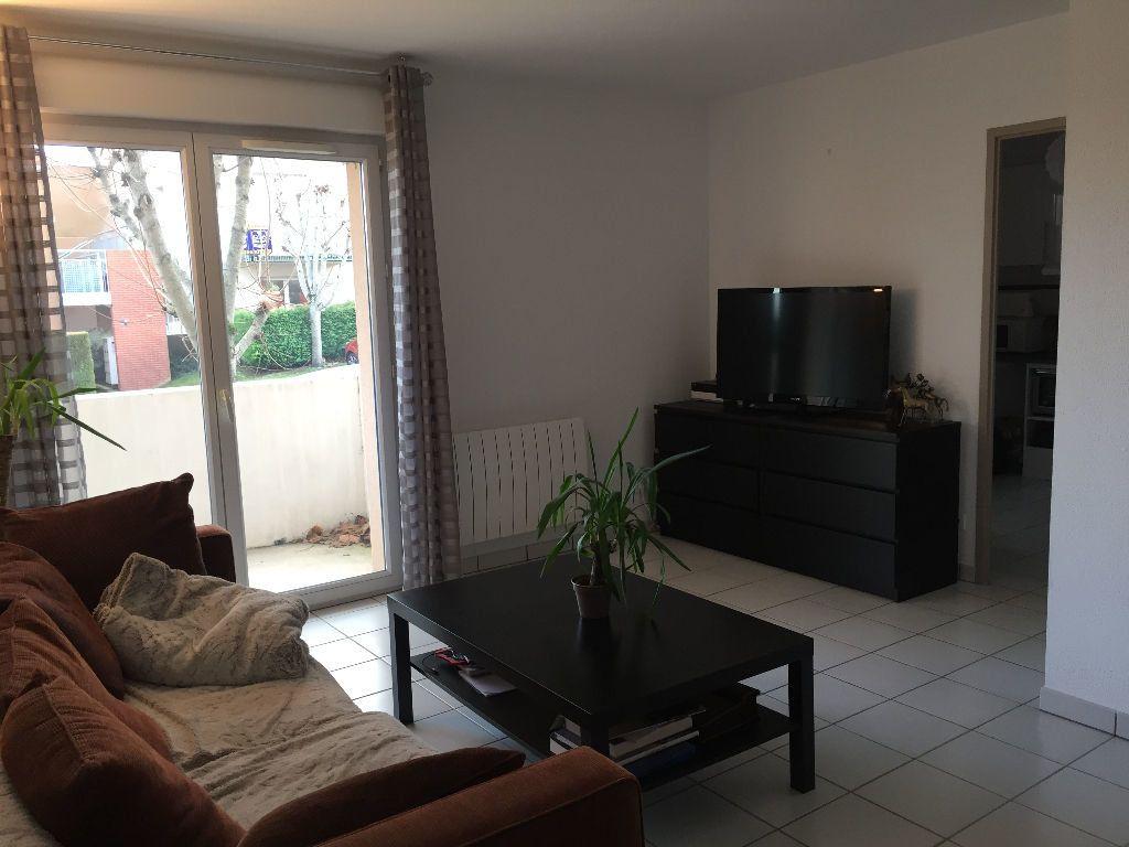Appartement à louer 3 64m2 à Montrabé vignette-3