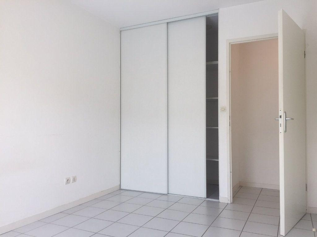 Appartement à louer 3 61m2 à Saint-Jean vignette-3