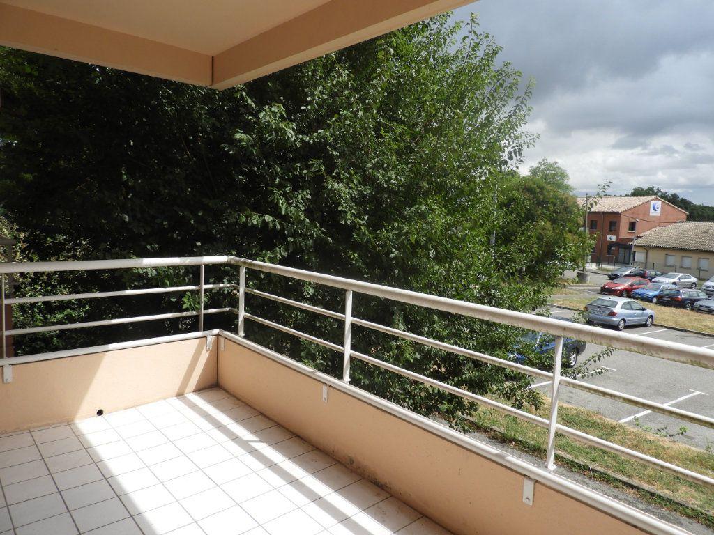 Appartement à louer 3 68m2 à Saint-Jean vignette-1