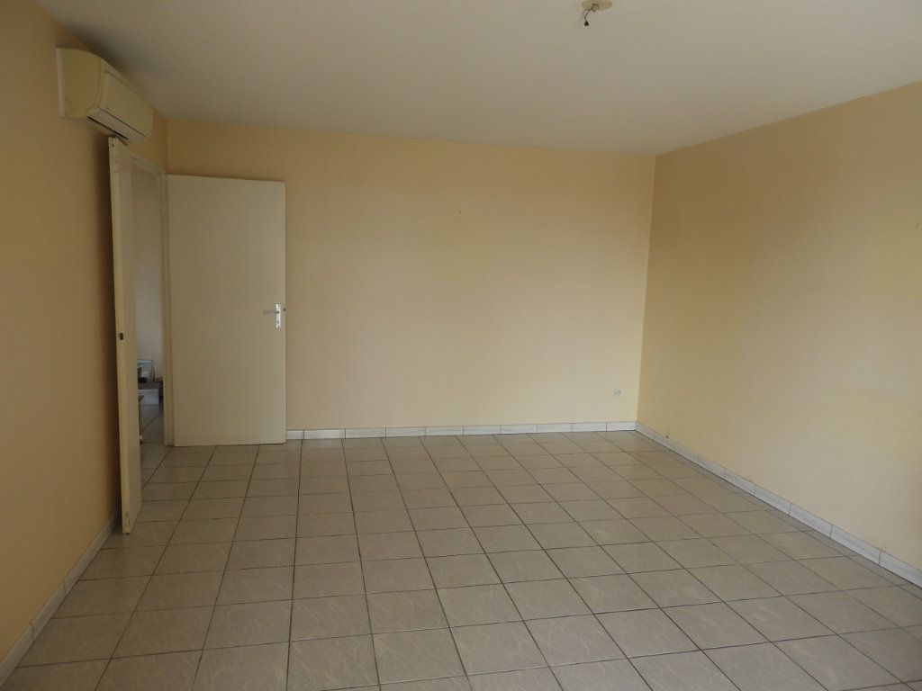 Appartement à louer 3 68m2 à Saint-Jean vignette-2