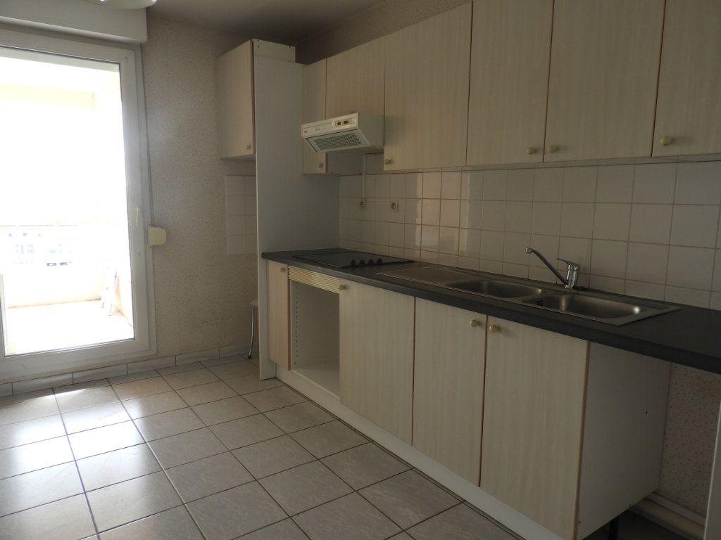 Appartement à louer 3 68m2 à Saint-Jean vignette-3