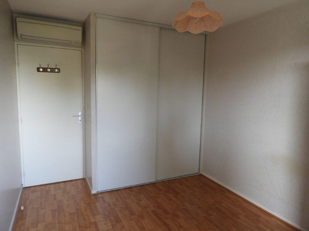 Appartement à louer 3 68m2 à Saint-Jean vignette-4