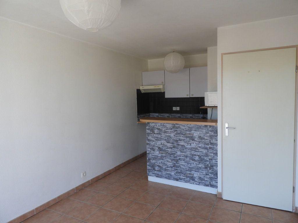 Appartement à louer 2 35m2 à Castelginest vignette-1