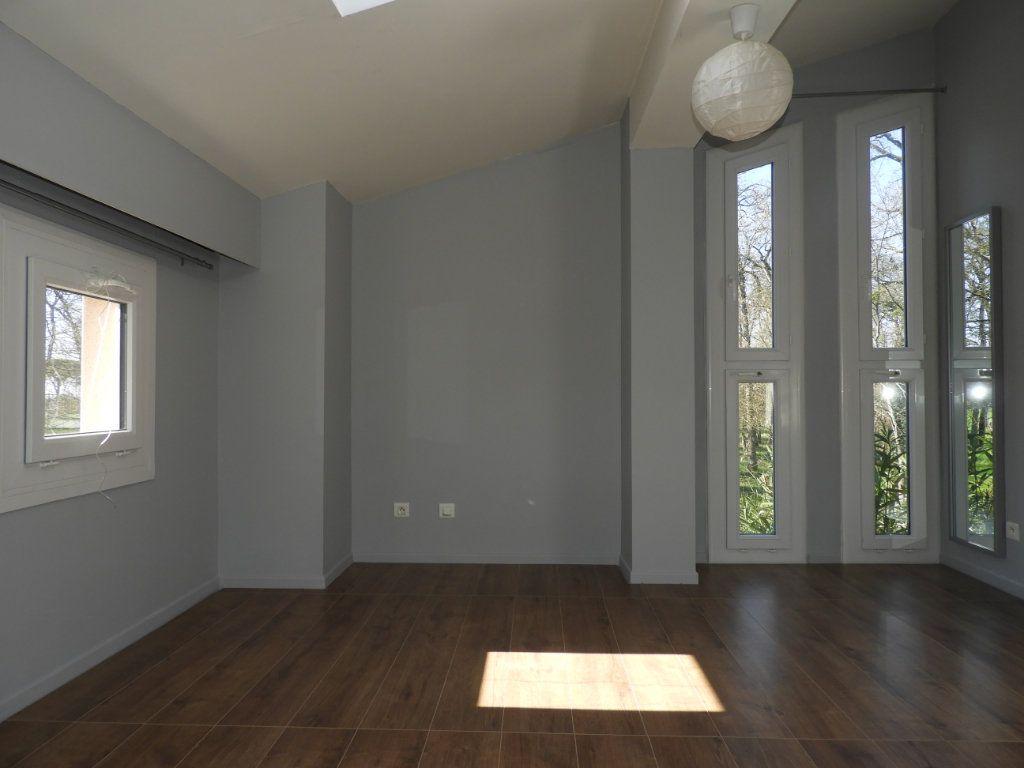 Appartement à louer 3 80m2 à Saint-Geniès-Bellevue vignette-3