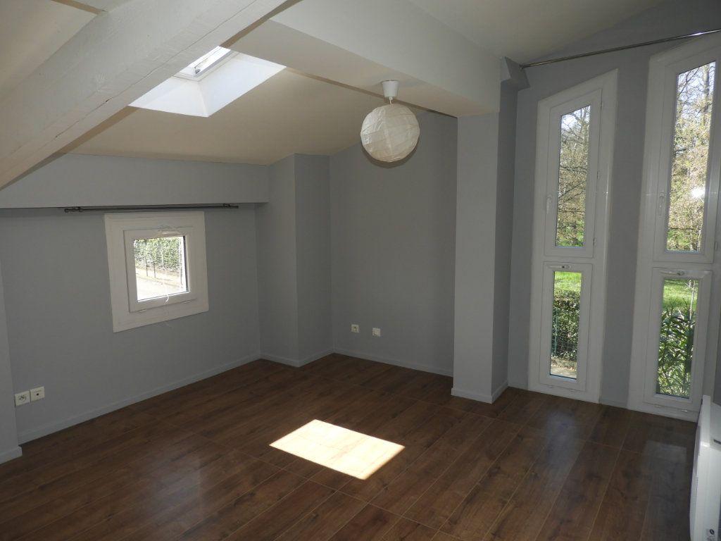 Appartement à louer 3 80m2 à Saint-Geniès-Bellevue vignette-4